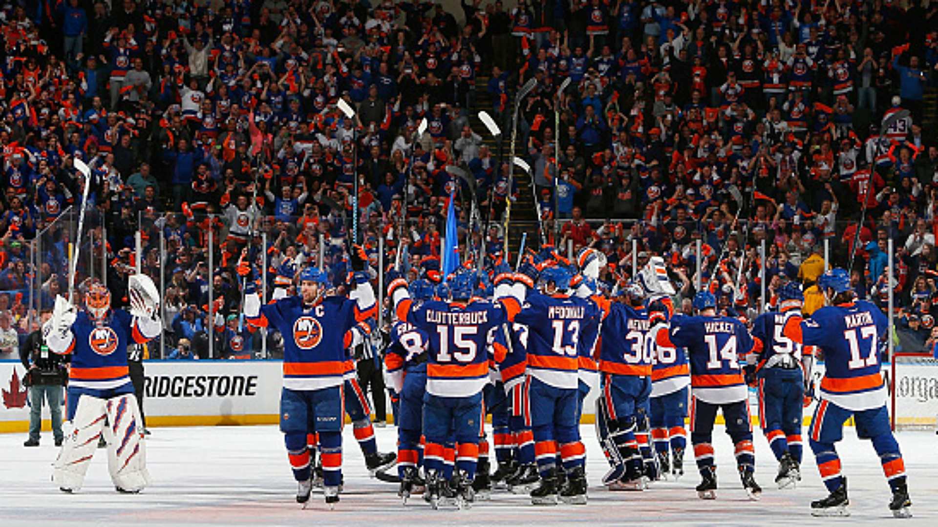 Stanley Cup playoffs roundup: Islanders stave off elimination; Blackhawks, Flames close out series