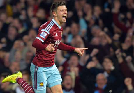 Cresswell signs new West Ham deal