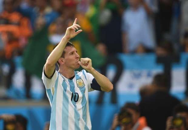 Messi celebra su gol a Irán