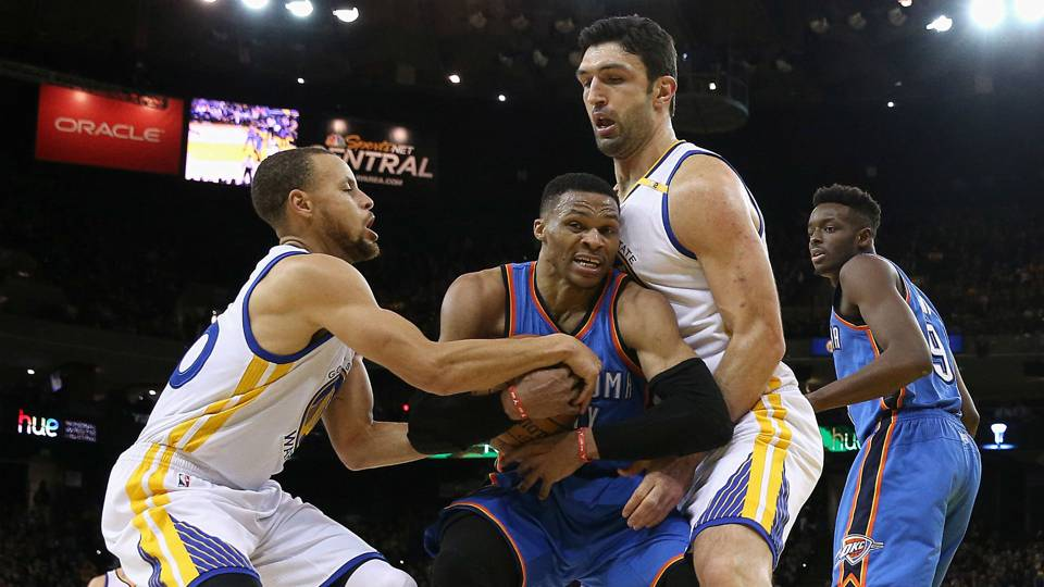 Russell Westbrook Center Zaza Pachulia Right And Steph Curry