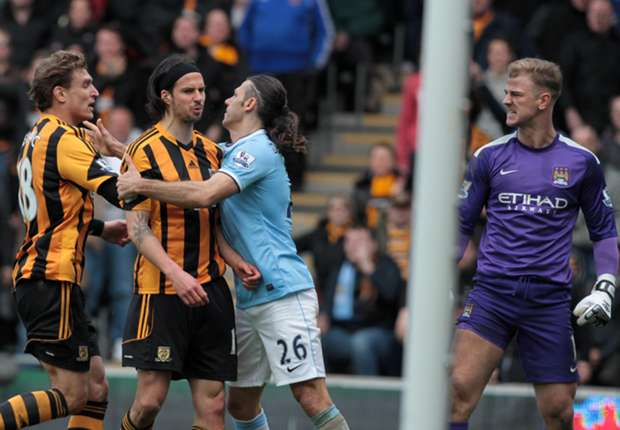 Hull striker Boyd charged by FA