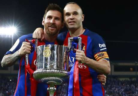 Iniesta refuses to commit to Barca