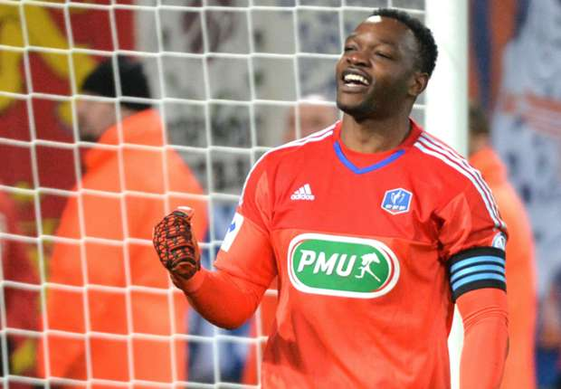 OFFICIAL: Crystal Palace sign Mandanda