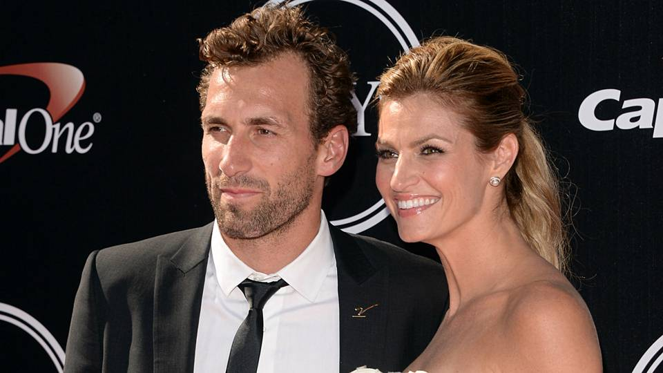 Is Erin Andrews Engaged To Jarret Stoll It Sure Appears That Way