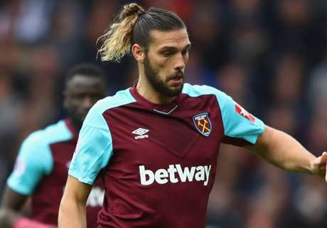 West Ham firm with Chelsea over £20m Carroll fee