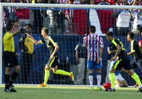 Arsenal ease past Chivas
