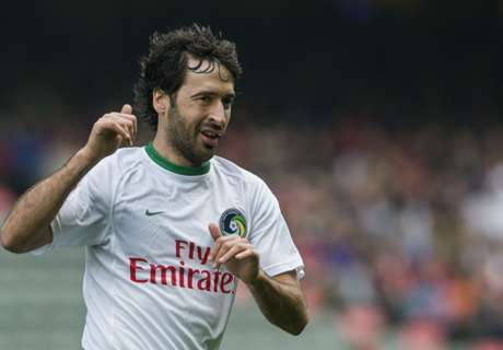 Raul forced off on Cosmos debut