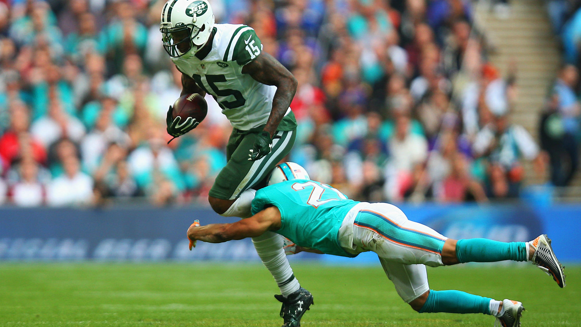 Injuries not helping Dolphins Brent Grimes hurts knee against