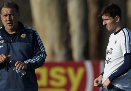 Messi available for Copa - Martino