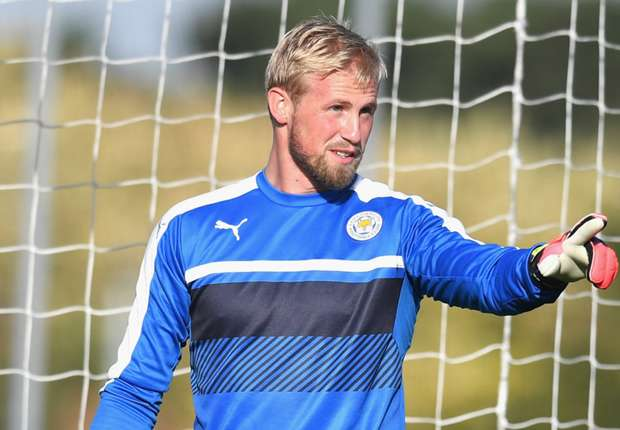 Leicester players held emergency clear-the-air talks, reveals Schmeichel