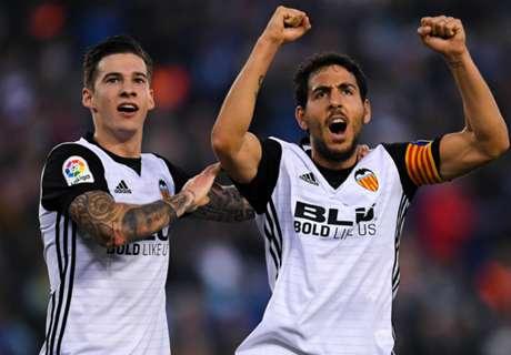 Valencia tee up blockbuster Barca clash