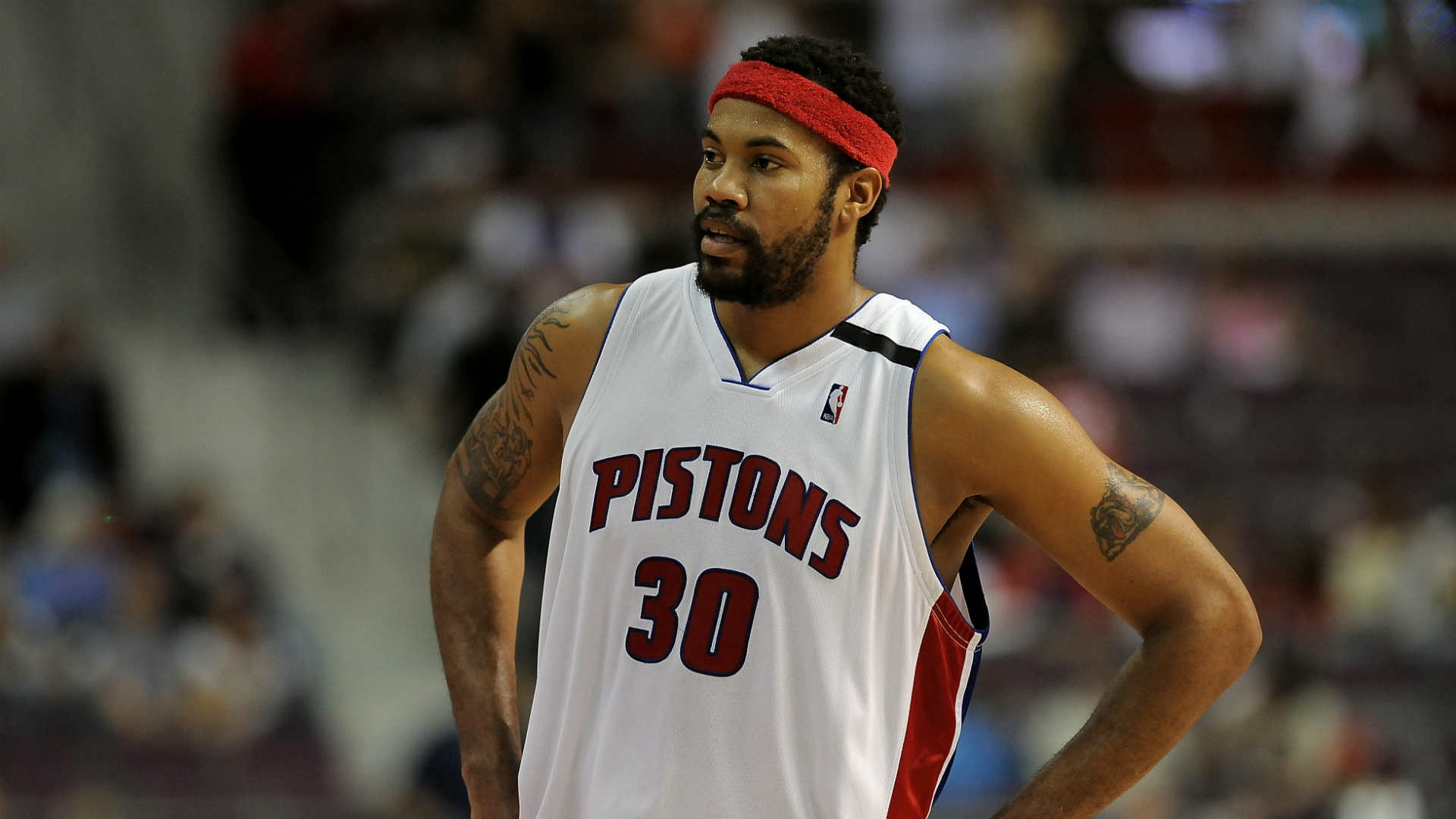 Rasheed Wallace drives truck filled with water from North Carolina