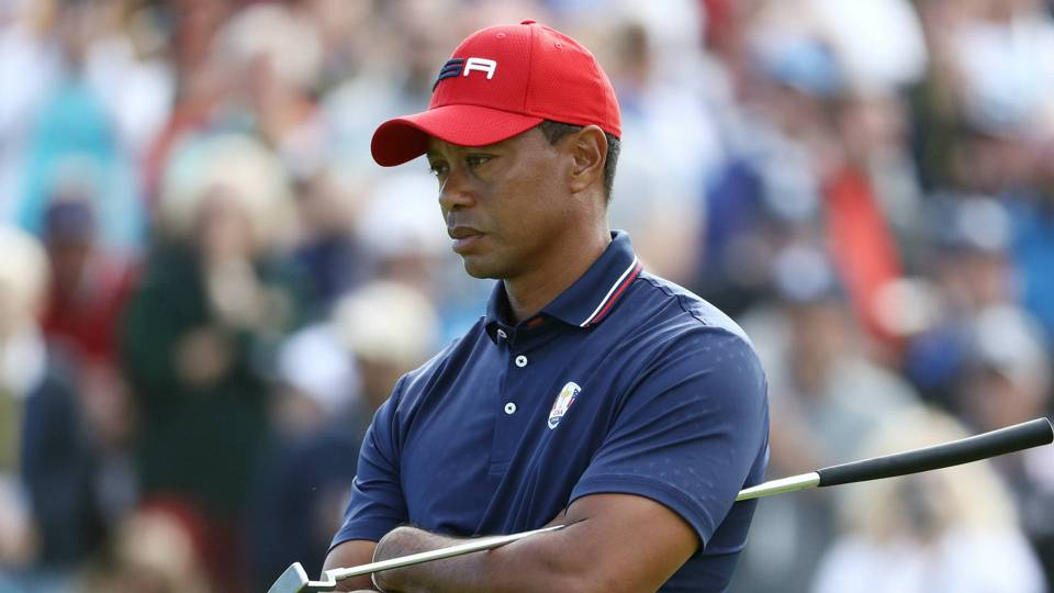 Ryder Cup 2018 Tiger Woods Finishes 0 4 Loses Crucial Point For