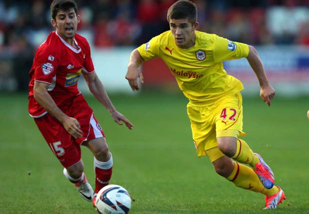 Declan John signs new Cardiff deal