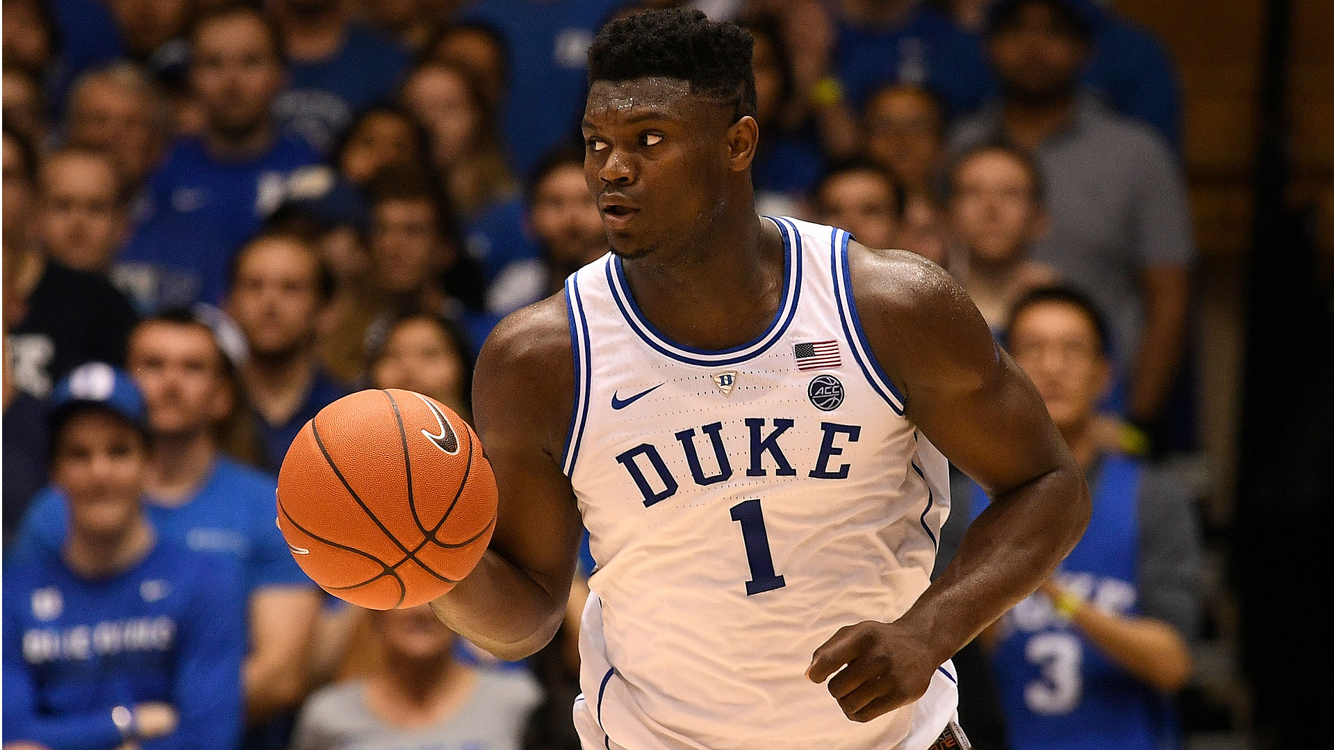 Duke star Zion Williamson injures knee after Nike shoe blows out