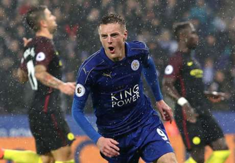 Vardy thrives as Leicester cruise