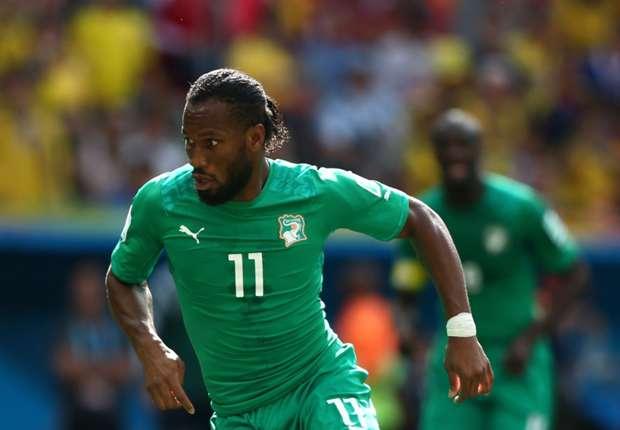 Drogba juntó 4500 dólares para los empleados del hotel donde se hospedó Costa de Marfil.