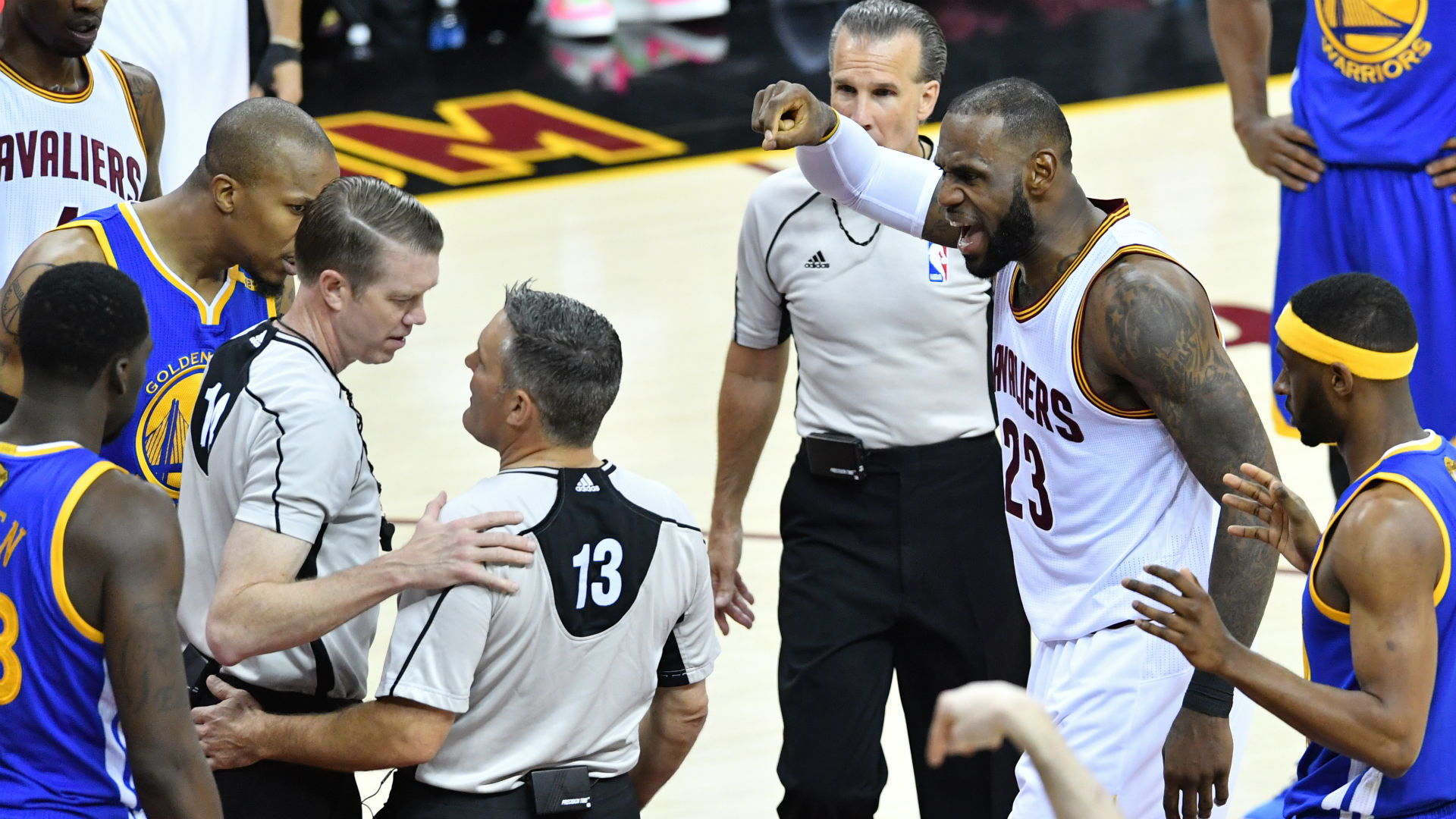 Refs take responsibility for technical foul confusion in Game 4 of Finals
