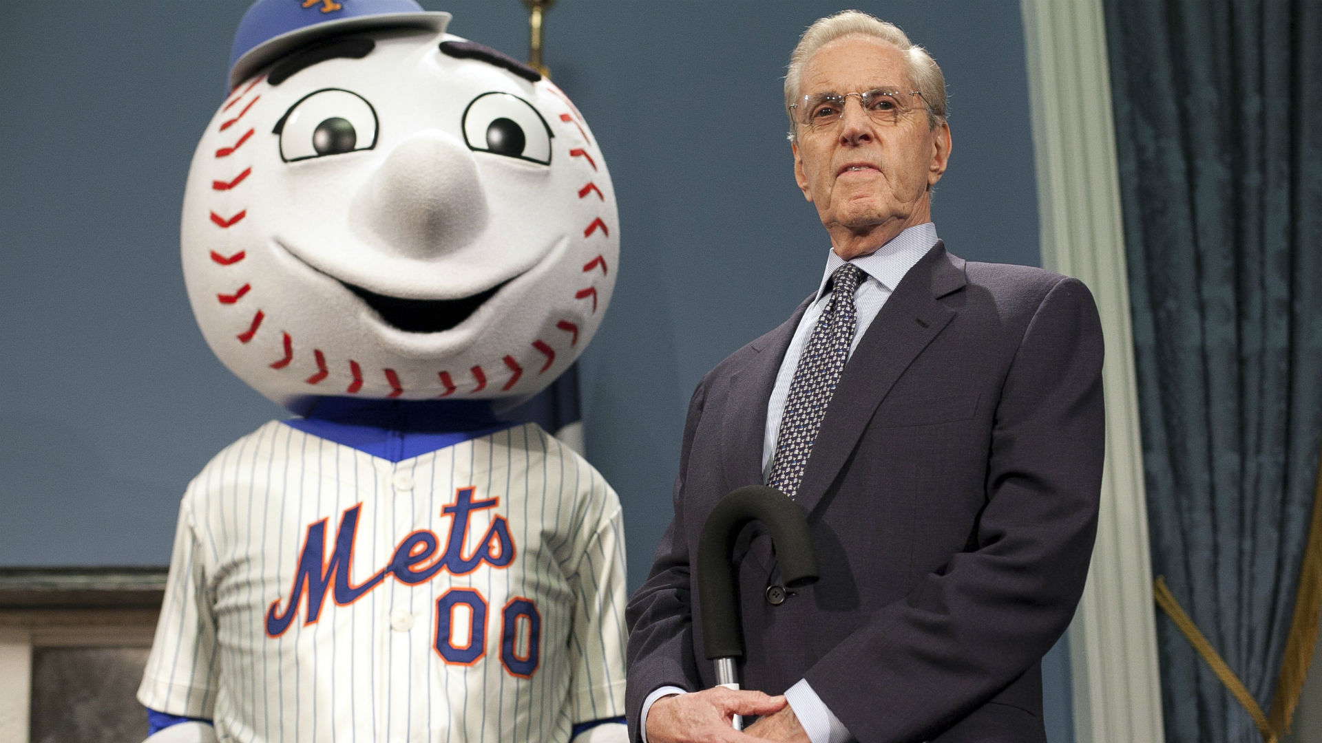 Mr. Met and Mets owner Fred Wilpon