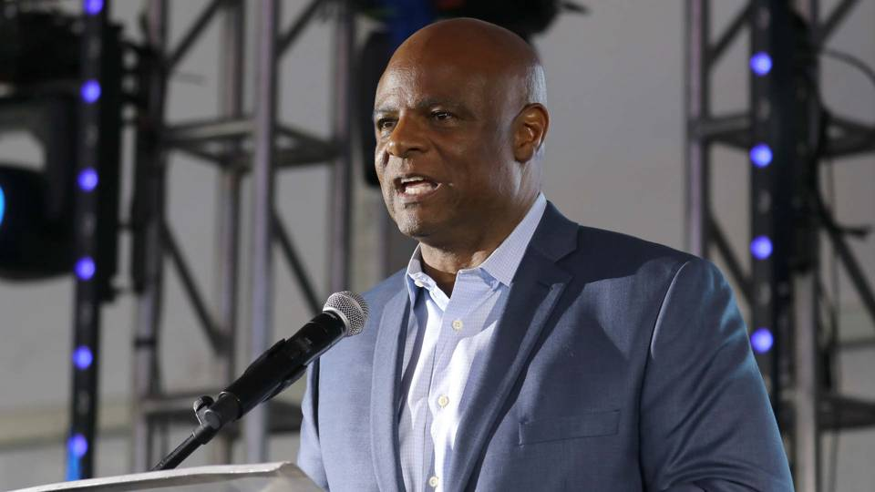 Warren Moon >> Warren Moon On Leave From Seahawks Broadcast Amid Sexual