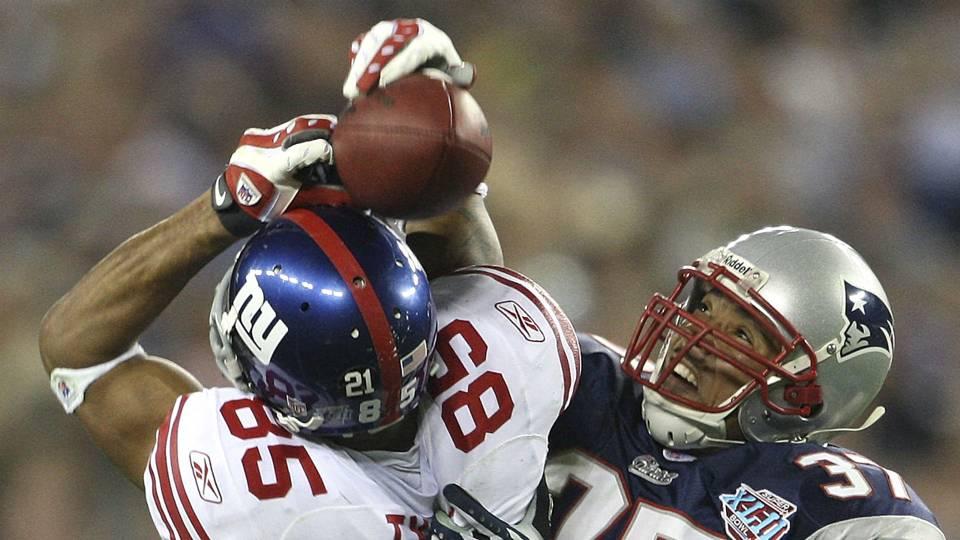David Tyree (85) et Rodney Harrison (37) au Super Bowl XLII