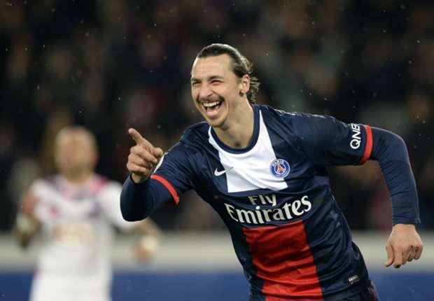 Ibrahimovic celebrando un tanto