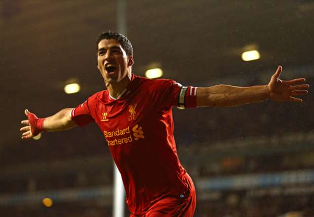 Suarez signs new Liverpool deal