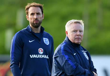 Southgate bids farewell to Lee