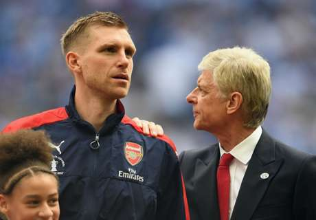 Arsenal players cost Wenger his job - Mertesacker