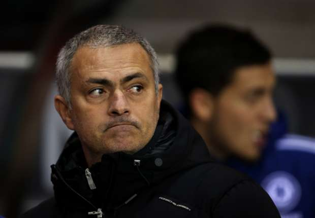 Mourinho: Manchester City still title favourites