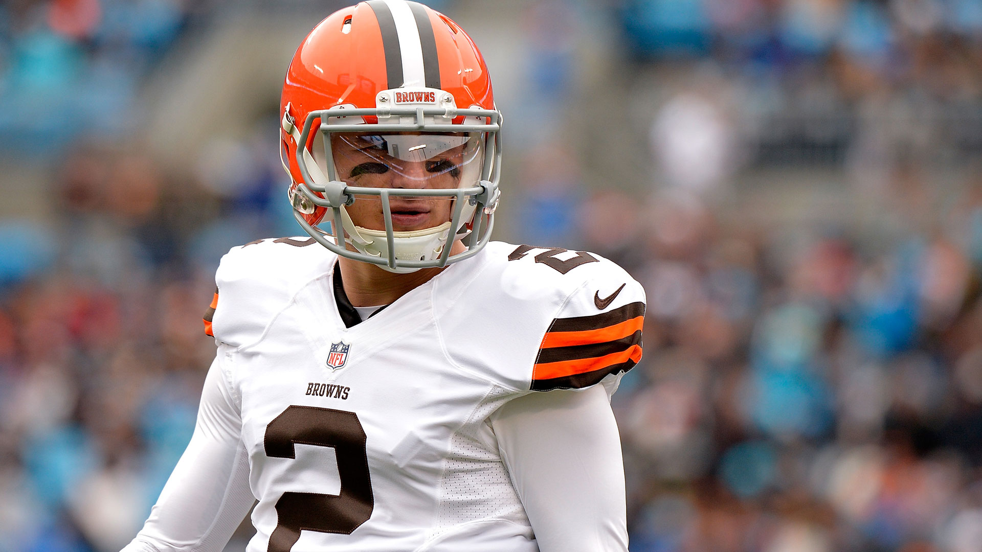 Without drafting a quarterback, Browns give Manziel silent endorsement