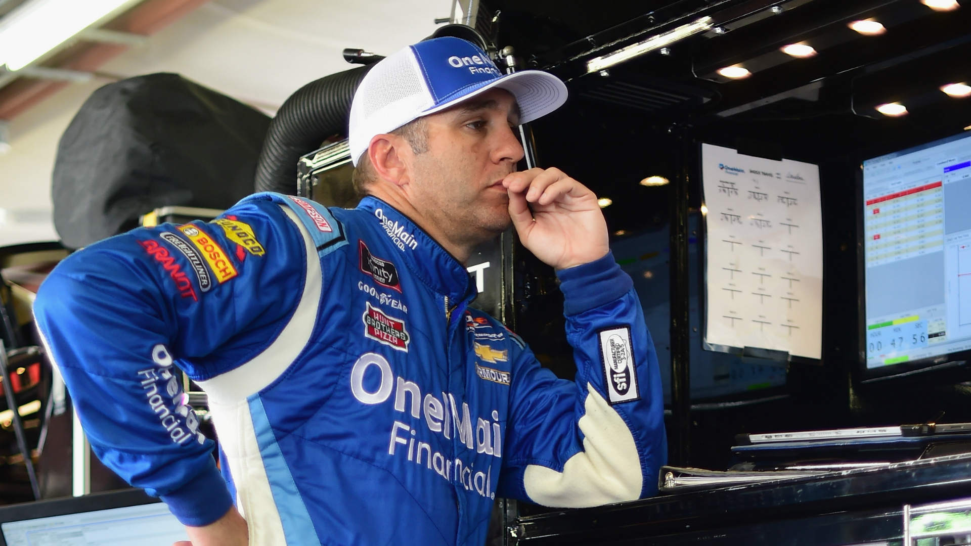 Kasey Kahne Announces Departure From NASCAR One Day After Elliott Sadler