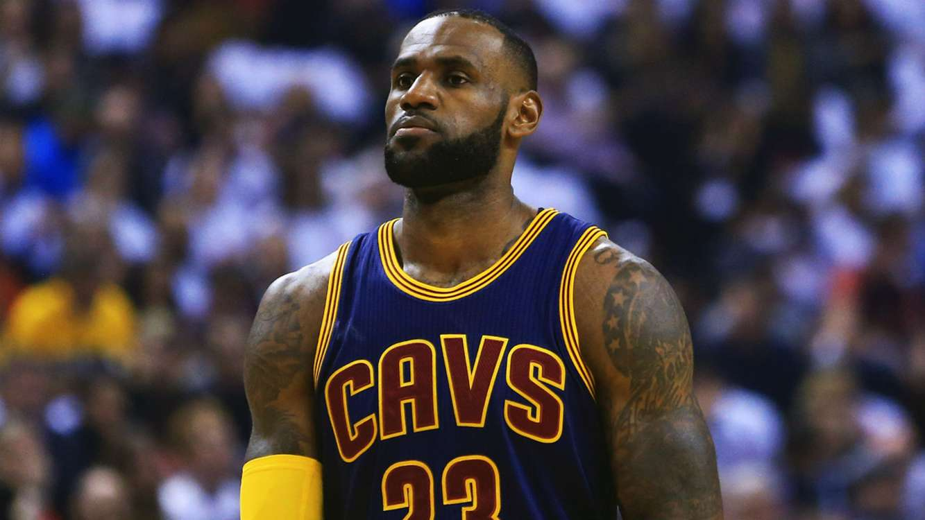 LeBron James says Celtics fans don't need pumping up