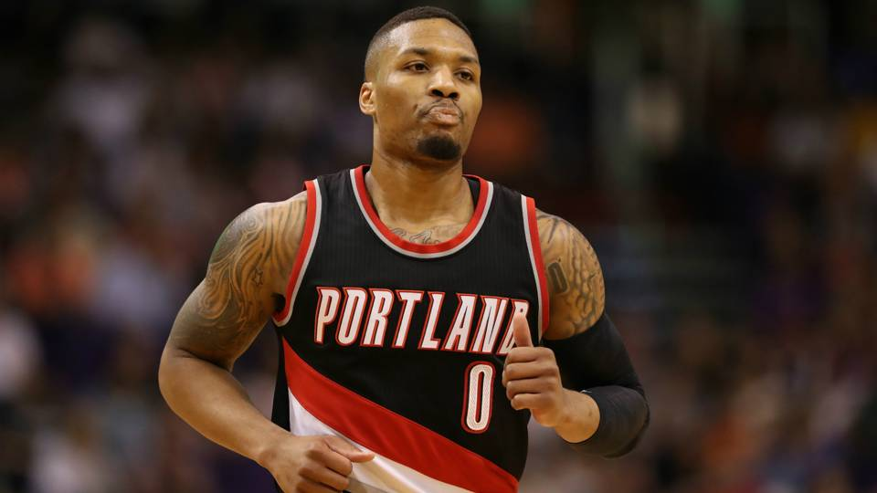 Damian Lillard responds to heckler by dropping franchise-record 34 points  in second half 644a9e48d