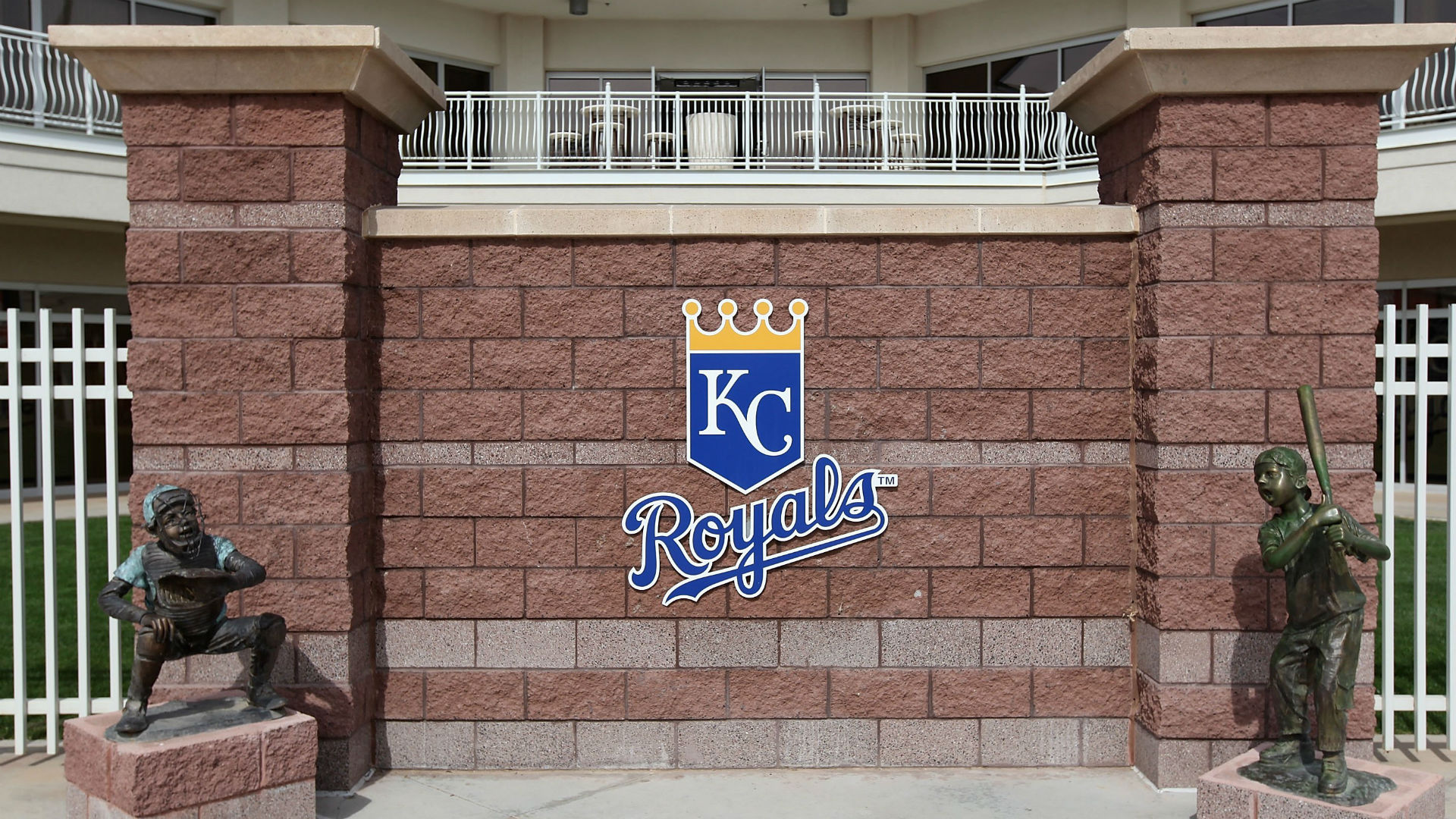 How Reggie Sanders influenced the Royals to sign a player with autism