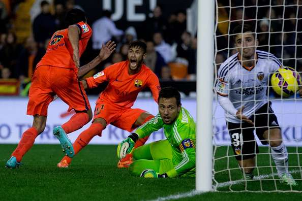 Valencia 0-1 Barcelona: Busquets steals win at the death