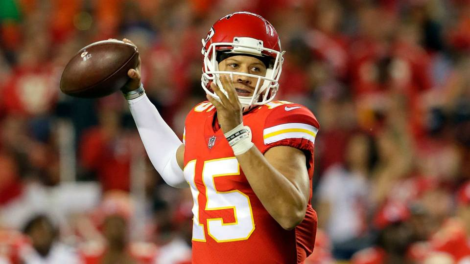 Chiefs QB Patrick Mahomes sets NFL touchdown record  896341d64