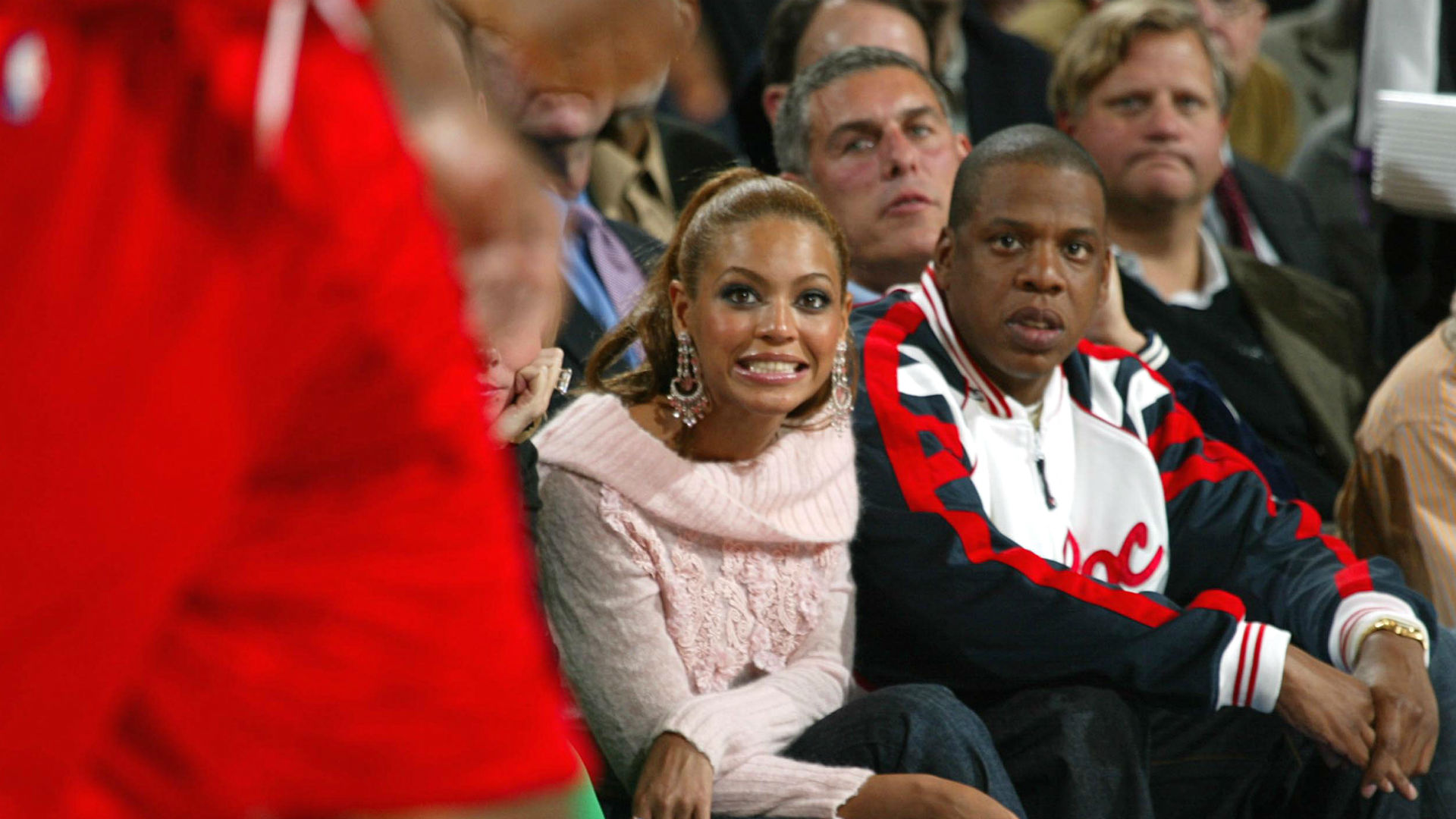 Beyonce considering purchasing share of Rockets