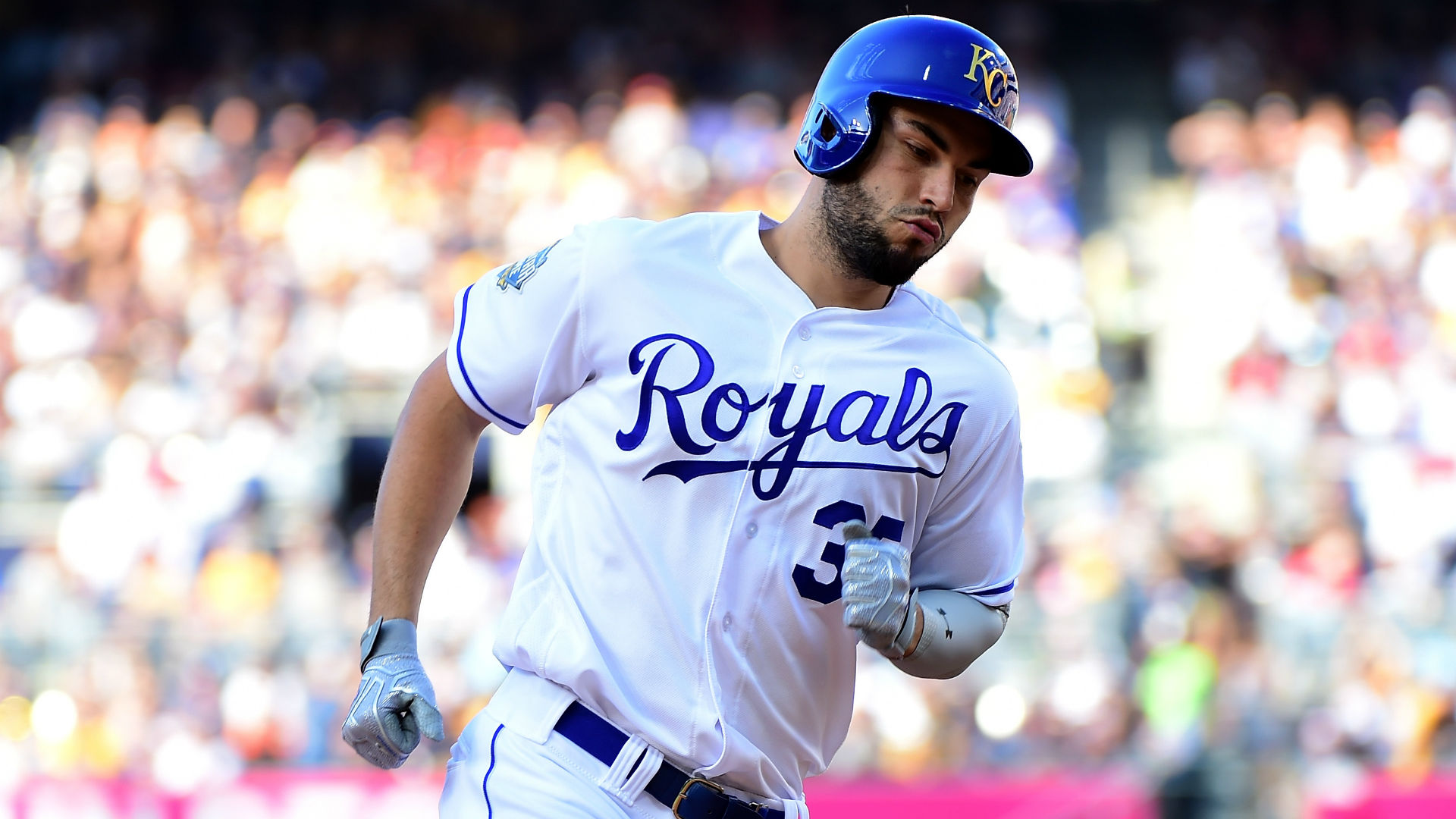 Hosmer finalizes eight-year deal with San Diego Padres