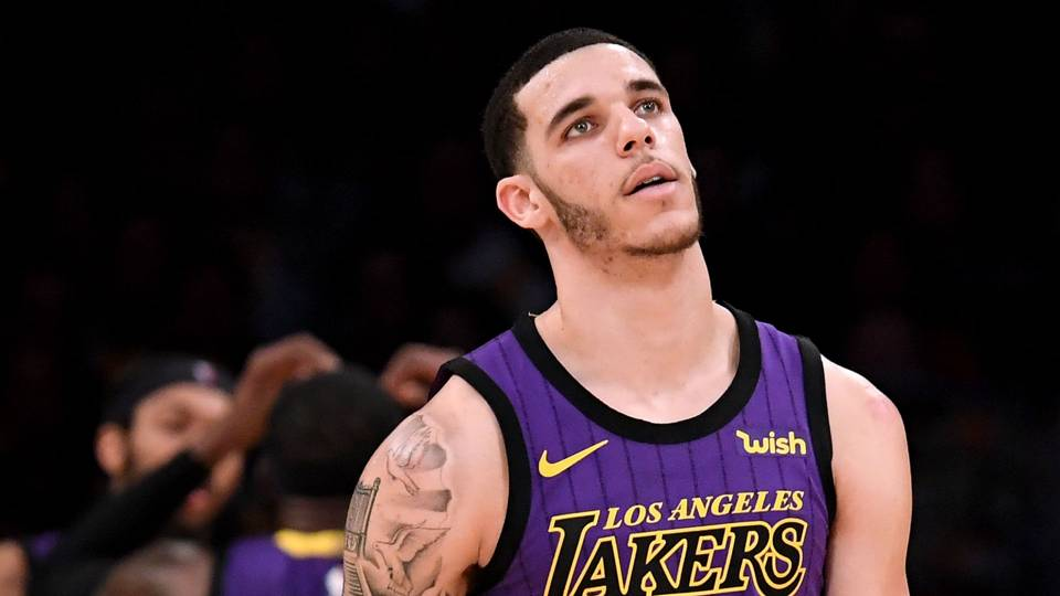 7e22fff9ef7 Lonzo Ball injury update  Lakers guard to miss 4-6 weeks with ankle sprain