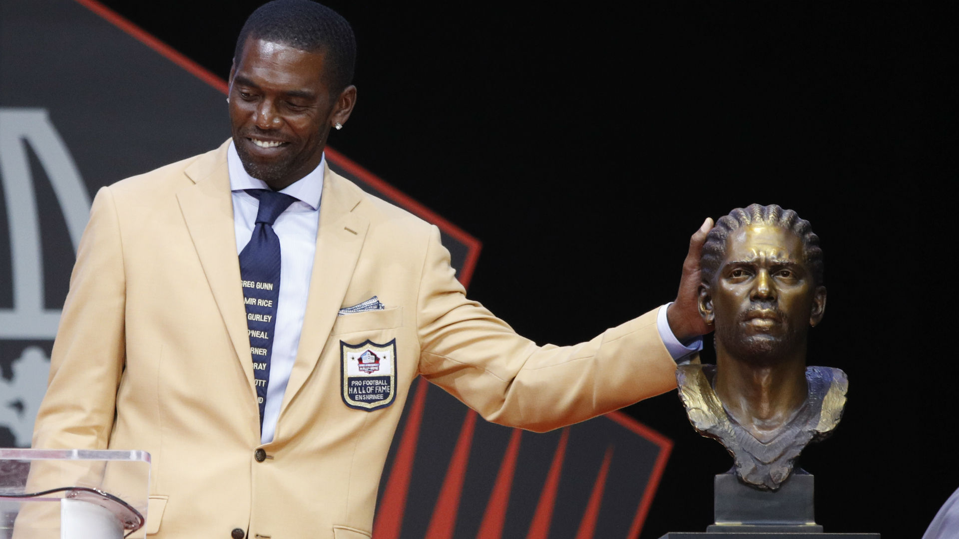 Randy Moss Inducted Into Pro Football Hall of Fame