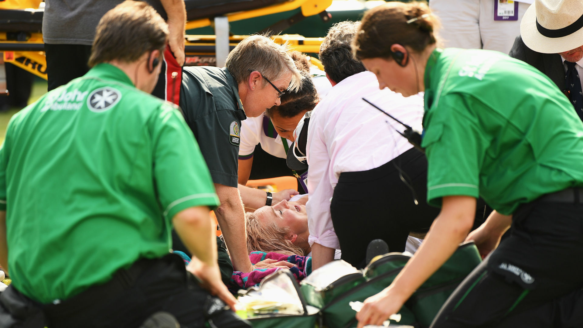 Bethanie Mattek-Sands Suffers Serious Knee Injury at Wimbledon 2017