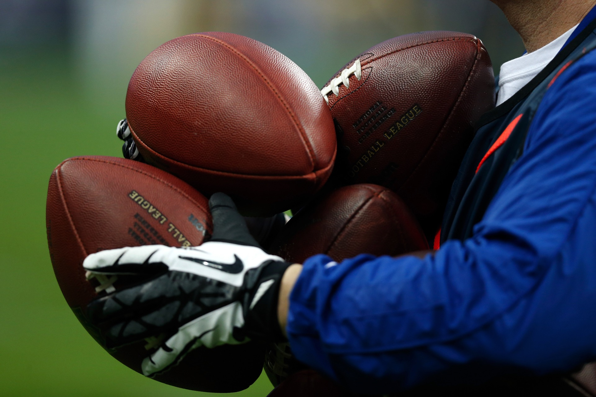 nfl-footballs-120615-usnews-getty-ftr