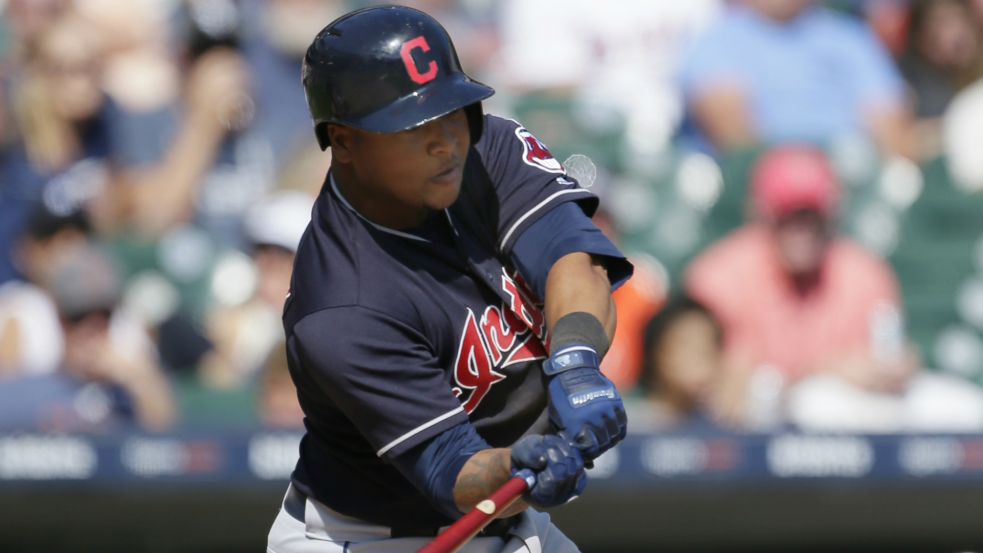 Indians star 3B Ramirez carted off field (knee)