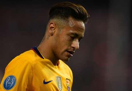 Neymar splits with girlfriend