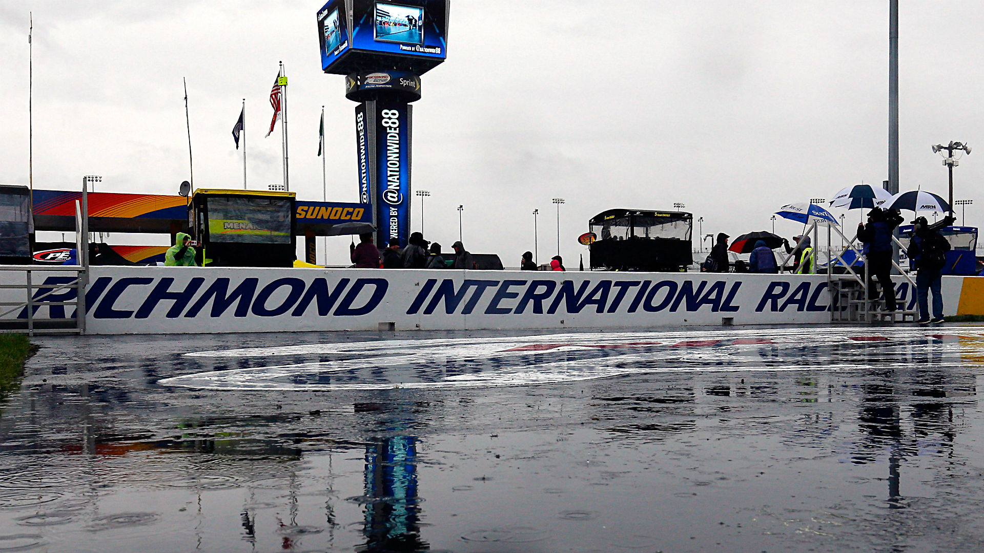 Rain pushes Toyota Owners 400 at Richmond to Sunday