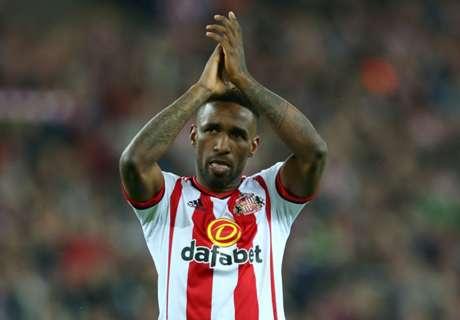 Sunderland hands Defoe extension