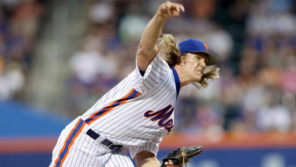 Mets' Noah Syndergaard ejected for throwing behind Chase ...