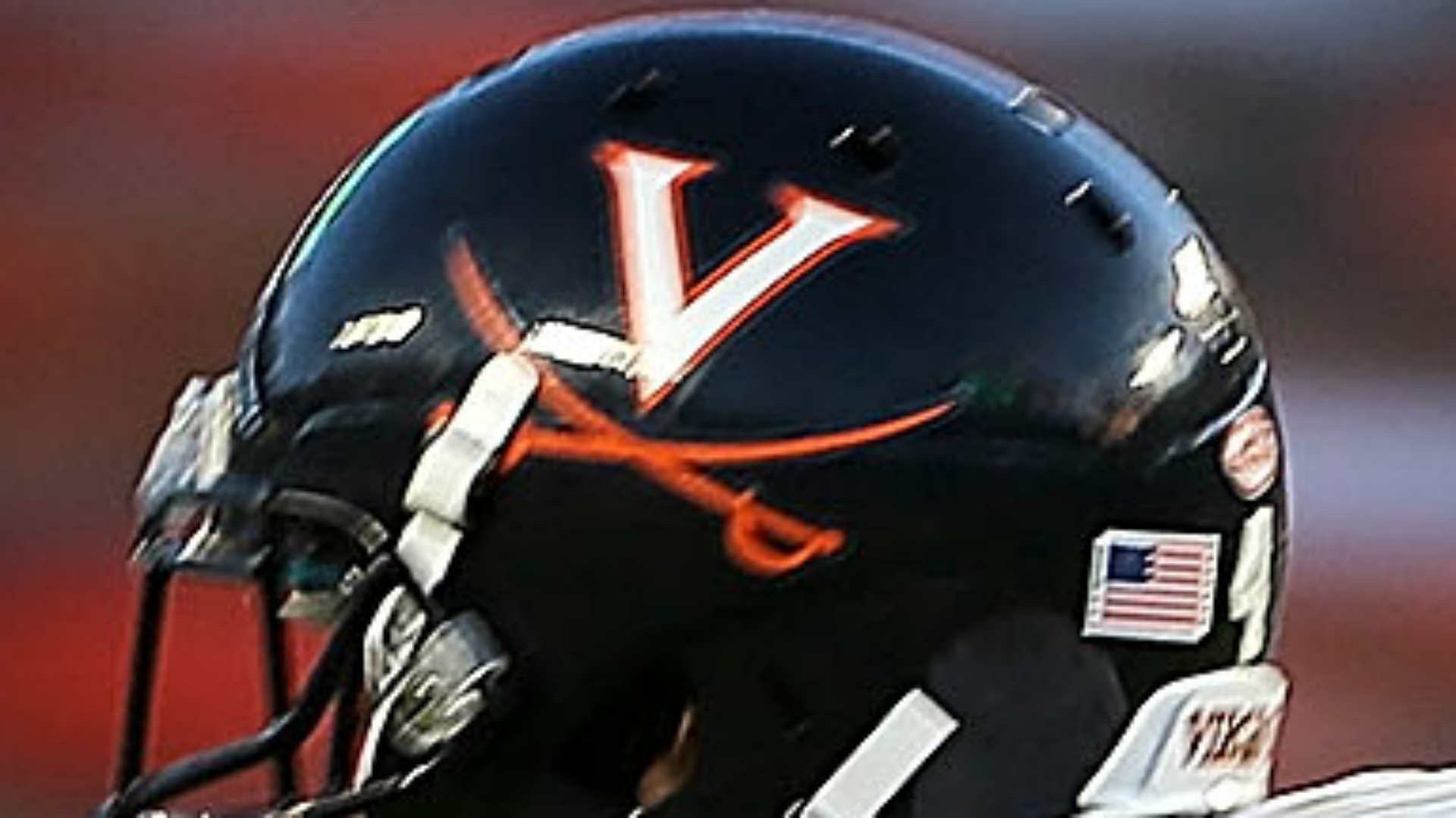 ESPN pulls Asian announcer Robert Lee off Virginia football game