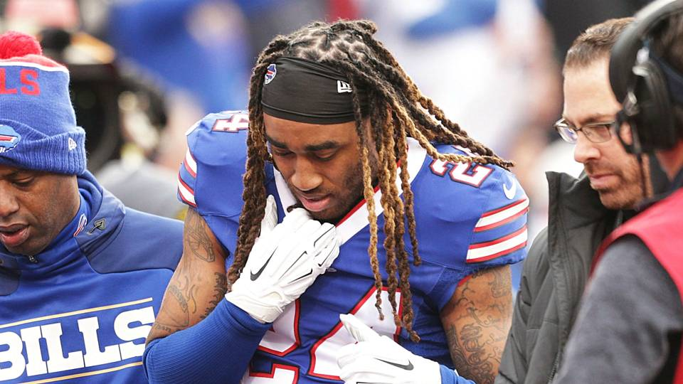 a751422c6 Stephon Gilmore s season ends with shoulder surgery